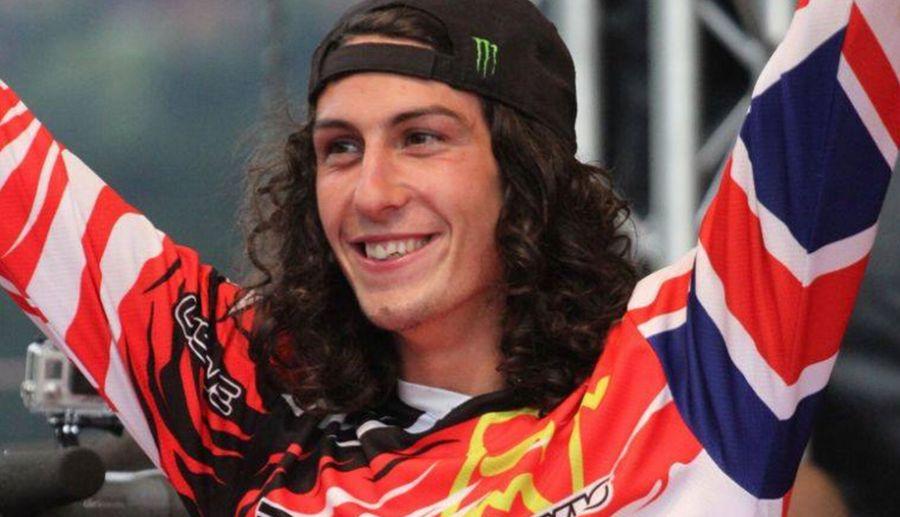 Победитель 2014 Downhill World Cup — Josh Bryceland